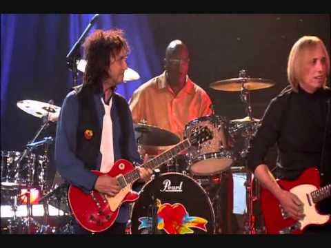 "TOM PETTY AND THE HEARTBREAKERS      ""born in chicago"".wmv"