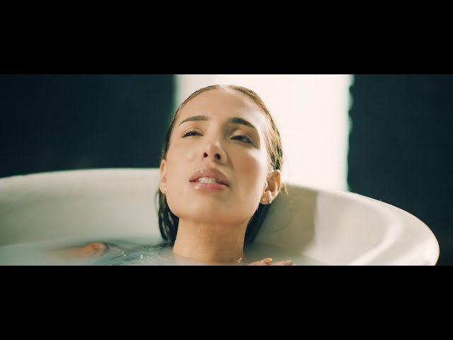 Beso de Desayuno - Luisa Fernanda W, Itzza Primera (Official Video)