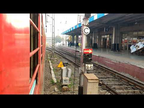 Swaraj Express (12471) departing Bandra Terminus