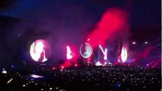 COLDPLAY: Intro (Back to the future) - Mx- Hurts like heaven - Madrid (20/05/2012)