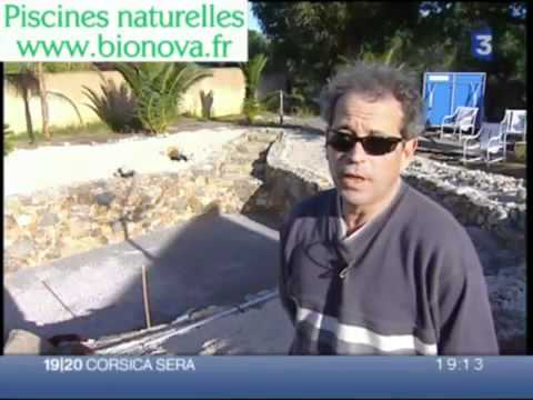Construire une piscine naturelle youtube for Piscine naturelle