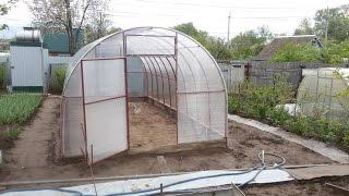 Как сделать теплицу на даче Парник в огороде Фазенда(Как построить теплицу парник на даче фазенде.Делаем теплицу на фазенде приусадебном участке.3х6 метров..., 2015-05-19T19:18:03.000Z)