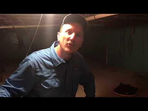 How to inspect a crawl space for Termites