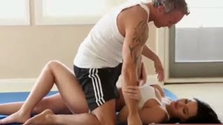 Download Video Ini mau Yoga apa mau g1tuan sih ?? MP3 3GP MP4