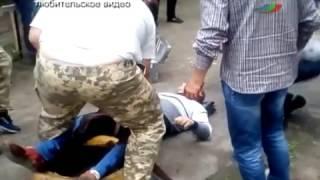 Пьяные радикалы прострелили таксисту ноги