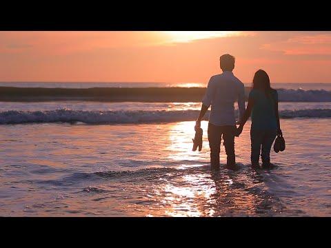 Tamil Telefilm Kadhaiyum kadhalum_Video Song_ Aruginil Unnai parthen