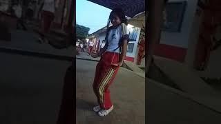 Download Video Alumna Baila El Perrito😂 MP3 3GP MP4