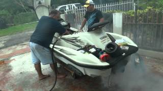 Rebuilding the engine of a Yamaha WaveRunner