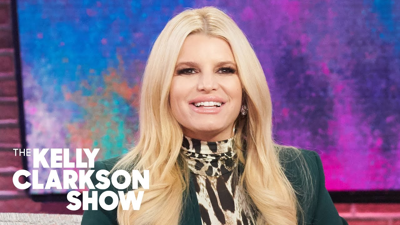 Jessica Simpson Belted National Anthem As A Lullaby To Her Daughter Youtube
