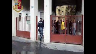 Occupazioni abusive, sgombero in via Palmanova a Milano: il blitz con 500 poliziotti