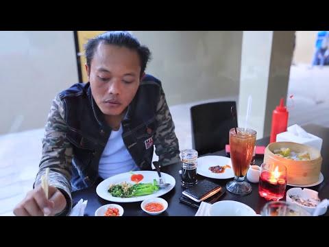 Sule - Jailin Youzeng Saat Makan Siang  | Funny Video (Lucu)