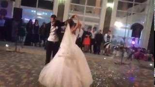 Первый свадебный танец молодоженов(Олександр Пономарёв Я ніколи,нікого ще так ..)
