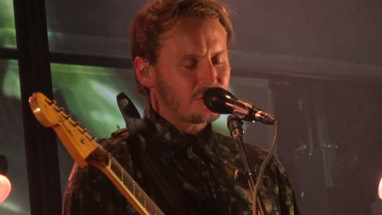 ben-howard-murmurations-live-in-paris-2018-elephantbaci