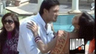 Veena Malik Kissing Scene In Bigg Toss - India TV