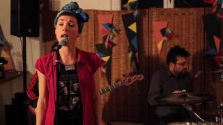 Emilie Chick - Weird Enough - concert en appart @ Montpellier