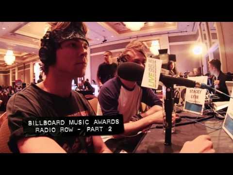 5SOS FANS 5 Seconds Of Summer at  Billboard Music Awards