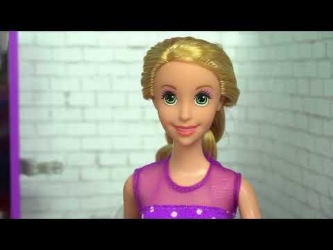 Rapunzel Cuts Off Ariels Hair Irl At Barbie S Hair Salon Bad