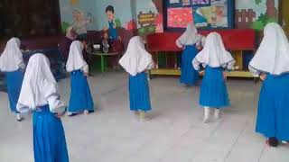 Video TK AL HUDA KARAH,,,Latihan menari download MP3, 3GP, MP4, WEBM, AVI, FLV Mei 2018