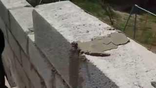 видео Кладка стен и углов
