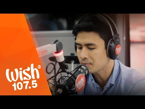 "Christian Bautista sings ""Kapit"" LIVE on Wish 107.5 Bus"