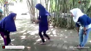 Lompat Karet (Tali Merdeka)