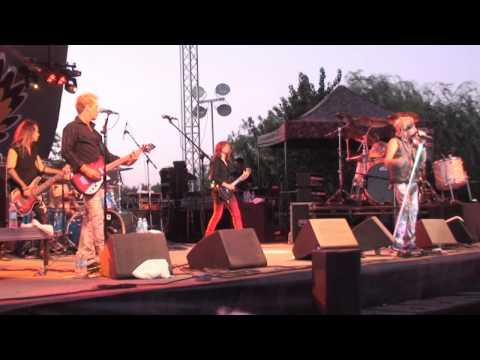 Save Your Love - Jack Russell's Great White - LIVE in Oakdale - musicUcansee.com