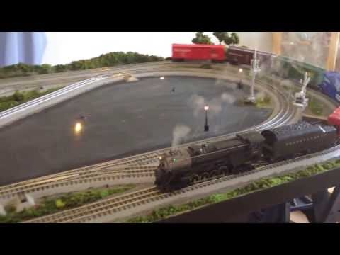 LIONEL FASTRACK O-GAUGE MODEL TRAIN LAYOUT 4'x8′