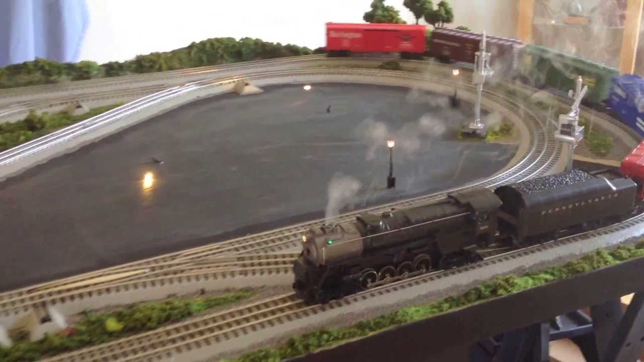 Lionel Fastrack O Gauge Model Train Layout 4 X8 Youtube