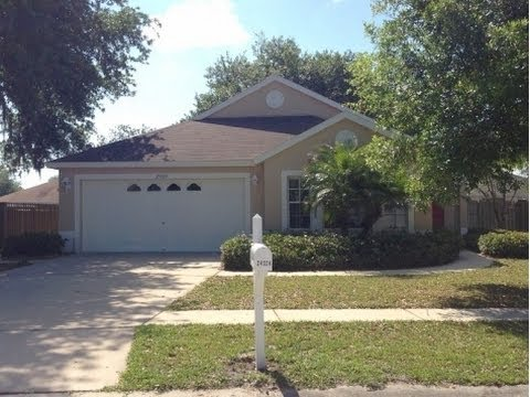 Lutz: 1655 sq. ft. 3/2 Home at 24324 Silkbay Court