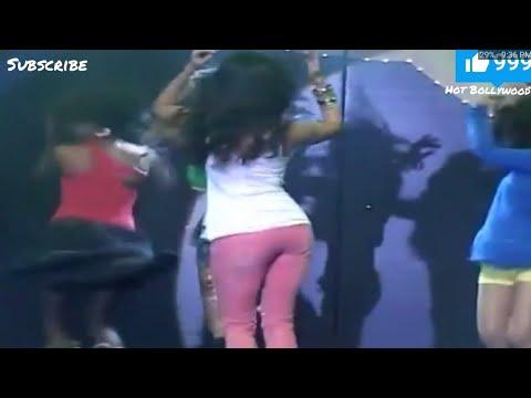 Katrina Kaif hot big assets shaking during dance thumbnail
