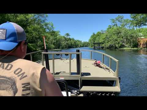 Running Julington Creek In A Tracker Grizzly 2072 Sportsman MVX