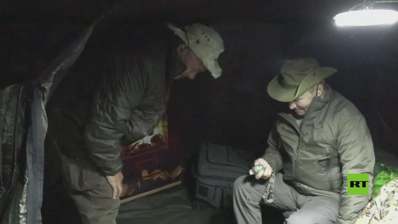 سيبيريا.. بوتين يبيت ليلته في خيمة ولوحة فنية داخلها تثير ضحك شويغو
