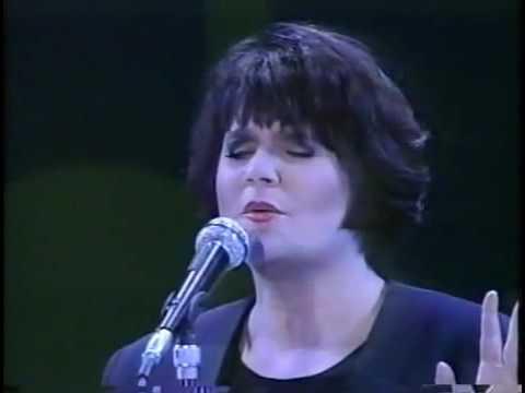 Linda Ronstadt at World Children Forum in Kobe, Japan, in May 1993