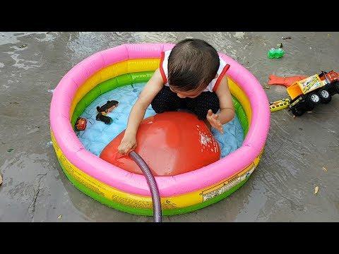 Trò Chơi Bơm Nước Vào Bong Bóng Khổng Lồ ❤ ChiChi Kids TV ❤ Đồ Chơi Trẻ Em