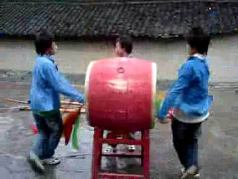 Hmong boys drum dance