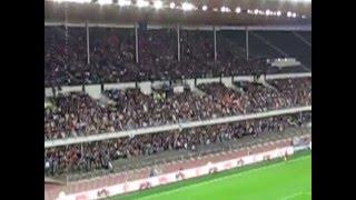 الجماهير تستقبل لاعبي برشلونه في الملعب الاولمبي بهلسنكي