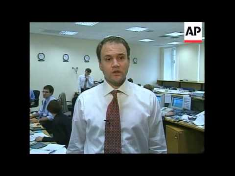 RUSSIA: MOSCOW: SHARE PRICES TUMBLE ON STOCK EXCHANGE