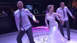 Noiva dançando a Paradinha Anitta
