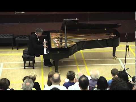 Eugen Indjic plays Chopin Mazurka Op.30 No.4
