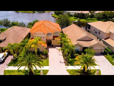 Real Estate Tour Of A Tampa FL Waterfront Property