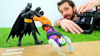 Видео про Бэтмена. Зачем Джокеру строительные машины?