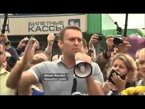"Russia's leading ""opposition figure"" Navalny caught with members of the US Embassy"