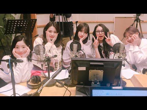 TWICE   KBS Cool FM 'Kiss The Radio' Selca 180412