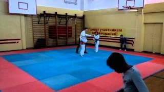 соревнование ТХЭКВОНДО лицей Петру Мовилэ спарринг 4