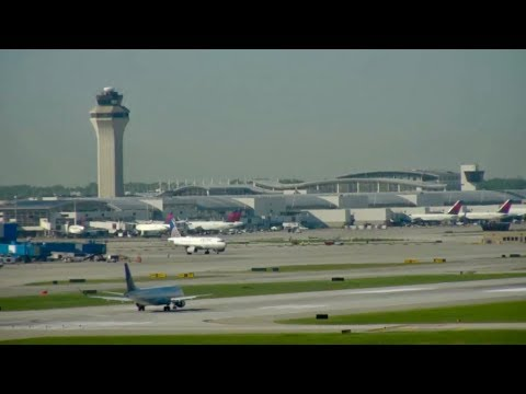 Watch LIVE Airport CAM Detroit Metropolitan Airport + REAL Aviation Sound