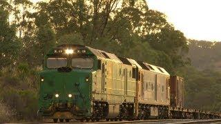 Australian Trains : Passengers and freight at Tallarook.  Sat 01/12/12