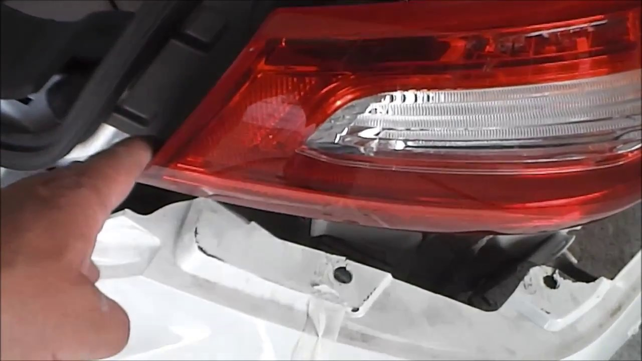 2016 Nissan Altima Tail Lamp Removal Replacement