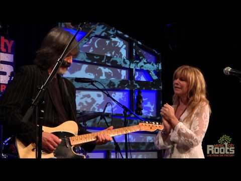 "Larry Campbell & Teresa Williams ""Keep Your Lamp Trimmed & Burning"""