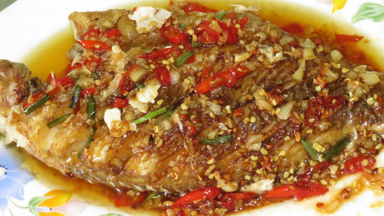Spicy fried fish with sauce creative recipes asian food for Whole foods fish sauce