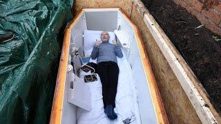 ЗАКОПАННЫЙ Ирландский ДЕД пенсионер разговаривает из могилы с наркоманами